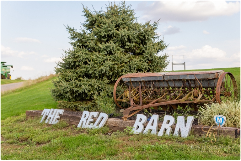 The Red Barn A Central Illinois Barn Wedding Venue