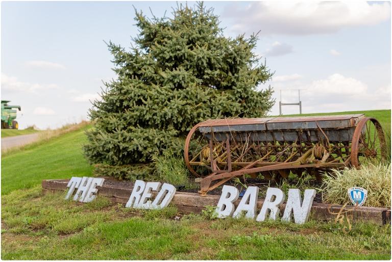The Red Barn | Central Illinois Wedding Venue